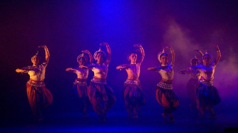 Inner_Space_Odissi_group_JQ